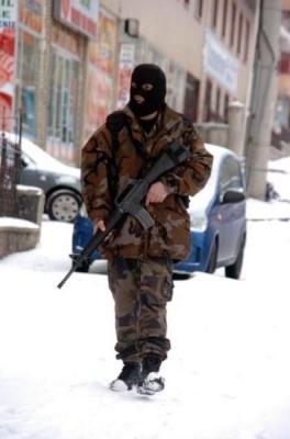 Erzurum'da balyozlu operasyon 3