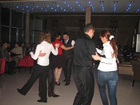 Erzurum dans-tango öğreniyor 6