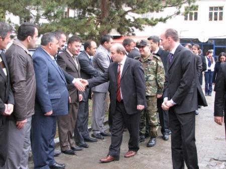 Erzurum Valisi ilçe turunda 2
