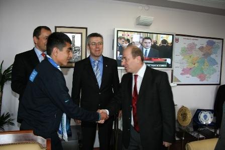 Erzurum'da şampiyona validen ödül 2