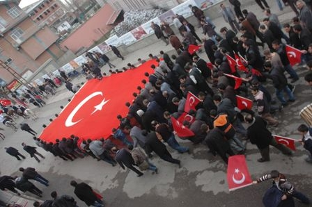 Erzurum'da Aziziye isyanı!.. 1