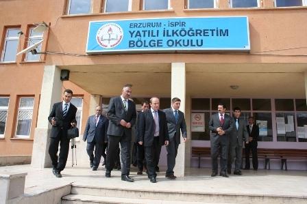 Erzurum Valisi çobana sahip çıktı 8