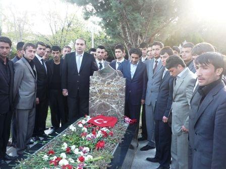Türkeş'in mezarında büyük buluşma 2