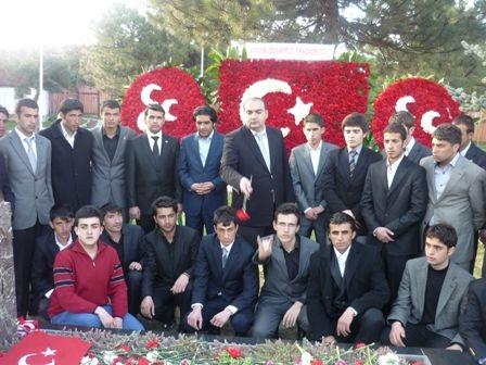 Türkeş'in mezarında büyük buluşma 3