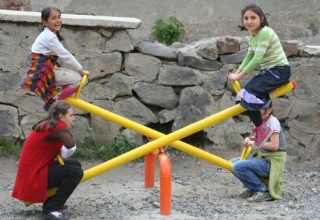 Yakutiye'den okullara oyun parkı 1