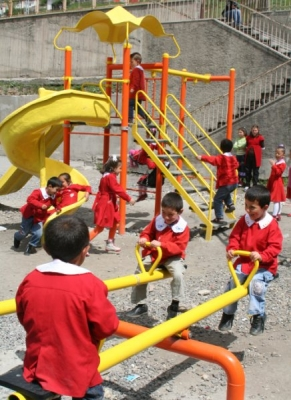 Yakutiye'den okullara oyun parkı 2