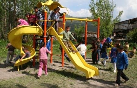 Yakutiye'den okullara oyun parkı 3