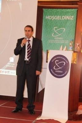 Erzurum'da uzmanlara panel verdi 2
