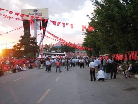Erzurum'da sönük miting! 1