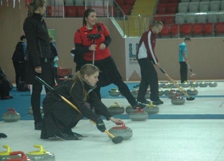 Öztürk'te Curling oynadı 1