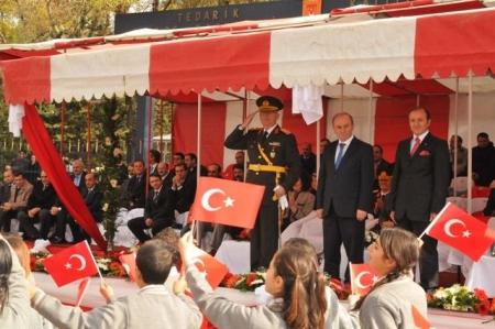 Erzurum'da görkemli kutlama! 1