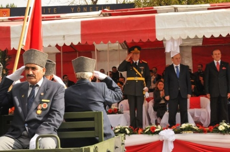 Erzurum'da görkemli kutlama! 3