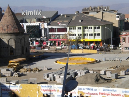 Erzurum 2011'e hazırlanıyor ama 3
