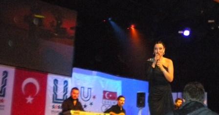 Erdal ve Sevcan Erzurum'u coşturdu! 4
