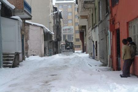 1600 sokakta kar temizliği! 2