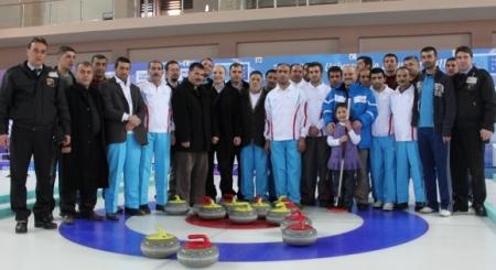 Erzurum'da hastalar curling oynadı 3