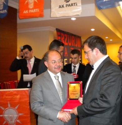 AK Partililer basınla buluştu 2