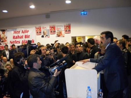 CHP'liler Salona sığmadı! 8
