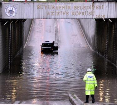 Erzurum yağmura esir oldu! 2
