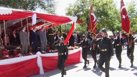 Törenlere Bakan Akdağ'da katıldı 3