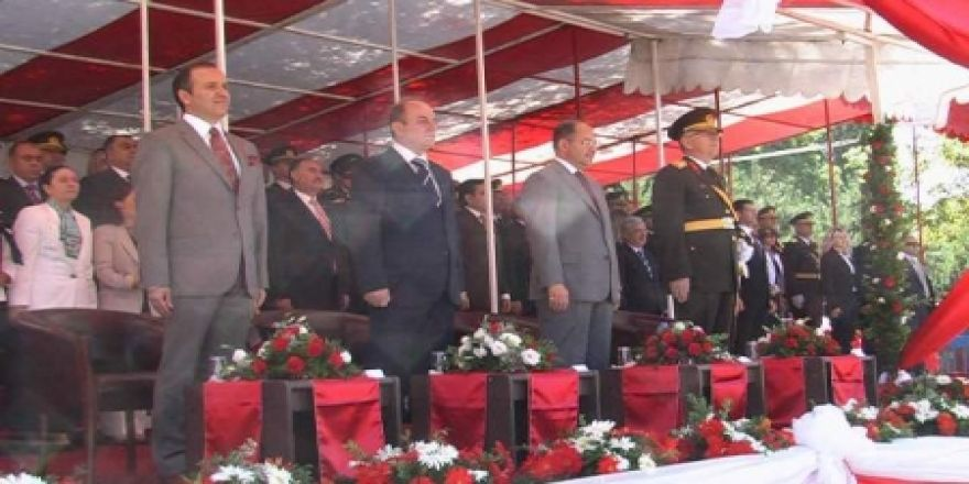 Törenlere Bakan Akdağ'da katıldı