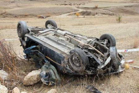Trafik kazası: 2 ölü 1