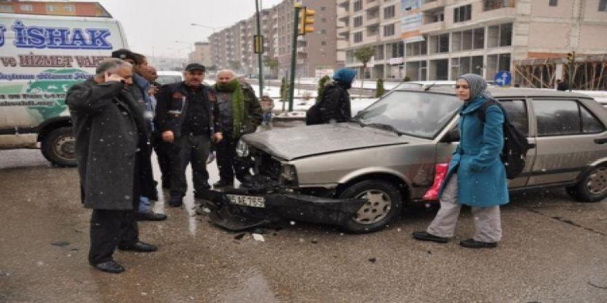 Erzurum'da buzlanma kazaları!