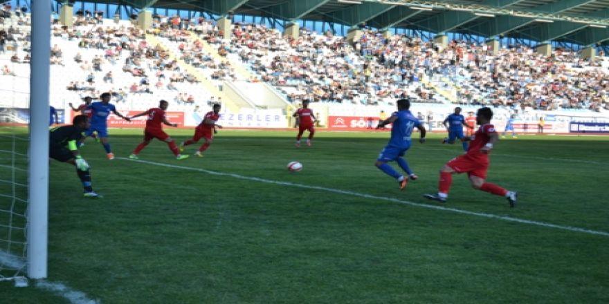 Erzurum BBSpor dört attı!