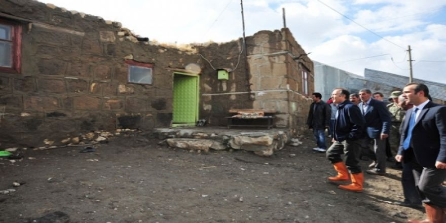 Vali Altıparmak deprem bölgesinde