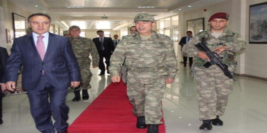 Kara Kuvvetleri Komutanı Erzurum'da