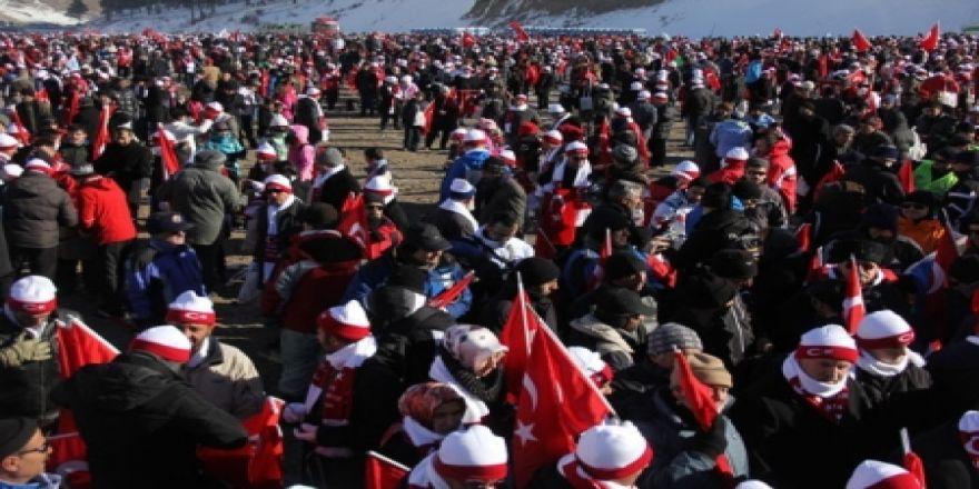 50 bin kişi yürüyor!