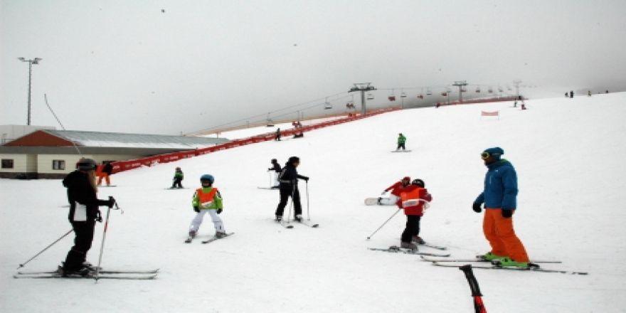 Palandöken'de kar kalınlığı 1 metre oldu