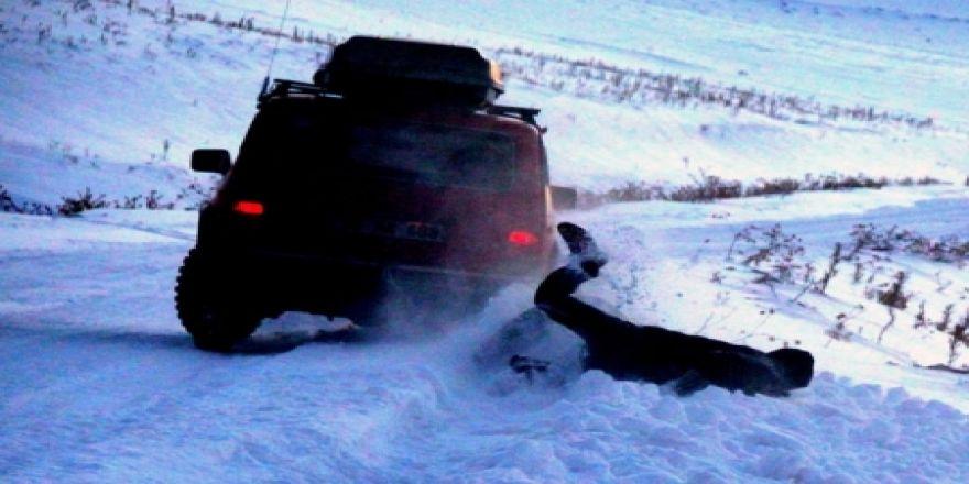Kar üzerinde tekerlekli adrenalin keyfi