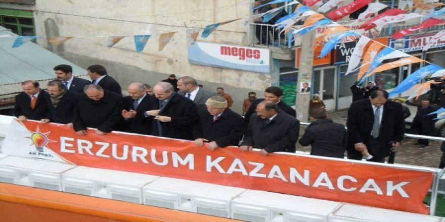 AK Parti Genel Başkan Yardımcısı Kurtulmuş, Erzurum'da