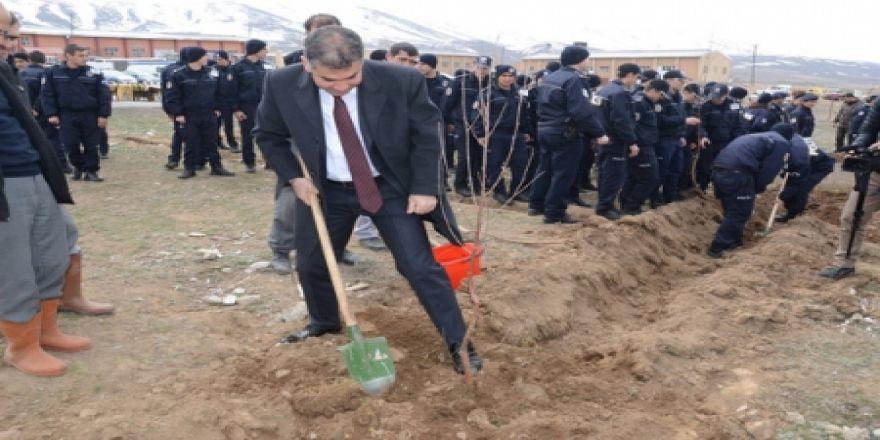 Erzurum Polisi fidan dikti