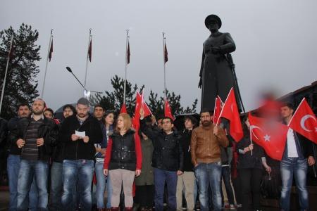 Erzurum'da çifte protesto! 1