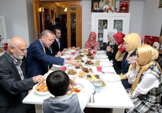 Cumhurbaşkanı Erdoğan'dan şehit ailelerine ziyaret 1