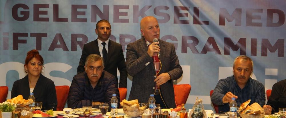 Başkan Sekmen iftarda gazetecilerle buluştu 1