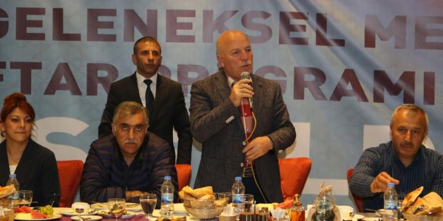 Başkan Sekmen iftarda gazetecilerle buluştu