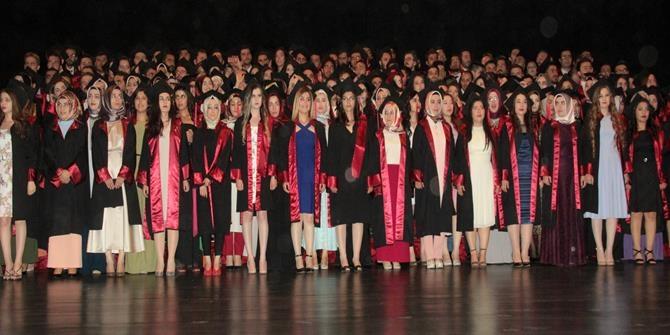 Tıp Fakültesinden 205 öğrenci mezun oldu 1