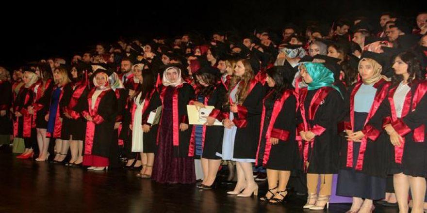 Tıp Fakültesinden 205 öğrenci mezun oldu