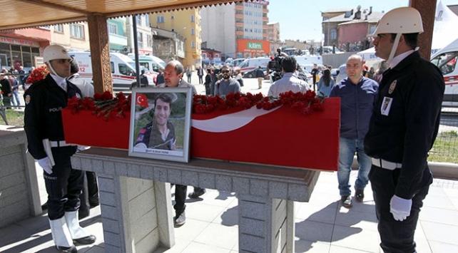 Şehit Umke Görevlisini Binlerce Erzurumlu Uğurladı 1