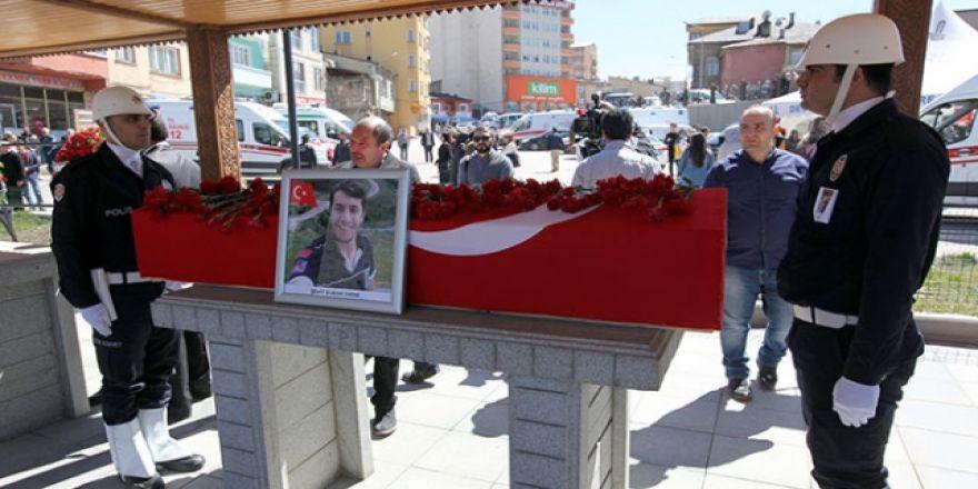 Şehit Umke Görevlisini Binlerce Erzurumlu Uğurladı