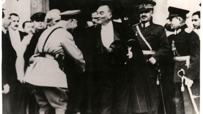 ATATÜRK'ÜN BU FOTOĞRAFINI DAHA ÖNCE HİÇ GÖRMEDİNİZ! 1