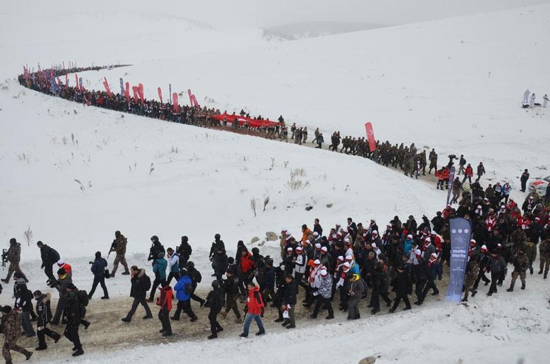 Sarıkamış Harekatı'nın 104. yılında Türkiye şehitlerine yürüyor 1