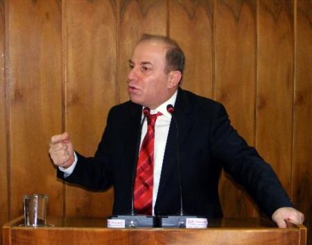 Erzurum Valisi il Meclisindeydi! 1