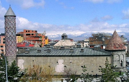 Erzurum'da tarihe PVC ayıbı! 10