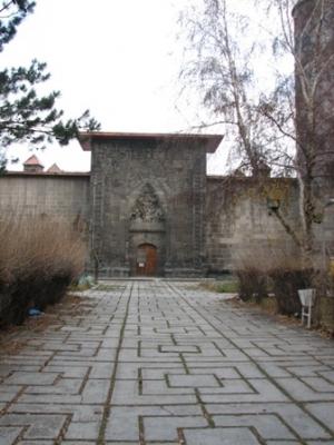 Erzurum'da tarihe PVC ayıbı! 2