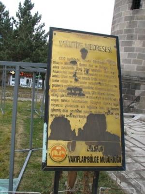 Erzurum'da tarihe PVC ayıbı! 3