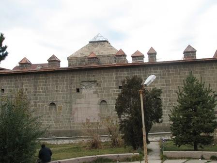 Erzurum'da tarihe PVC ayıbı! 8